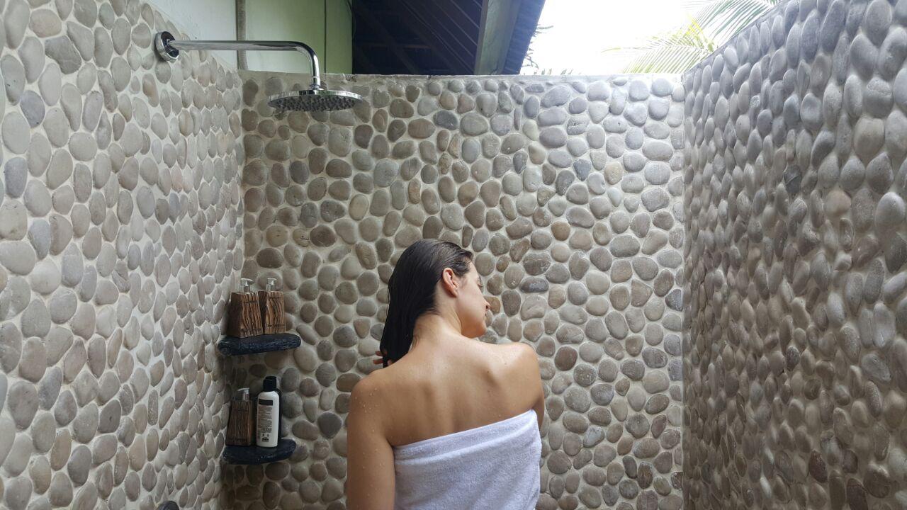 Samara Villas & Restaurant Outdoor Shower